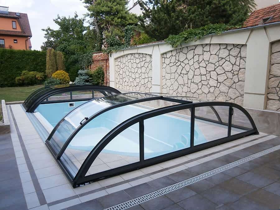 Dallas Clear B Telescopic Pool Enclosure (Silver / Dark Grey Frame)
