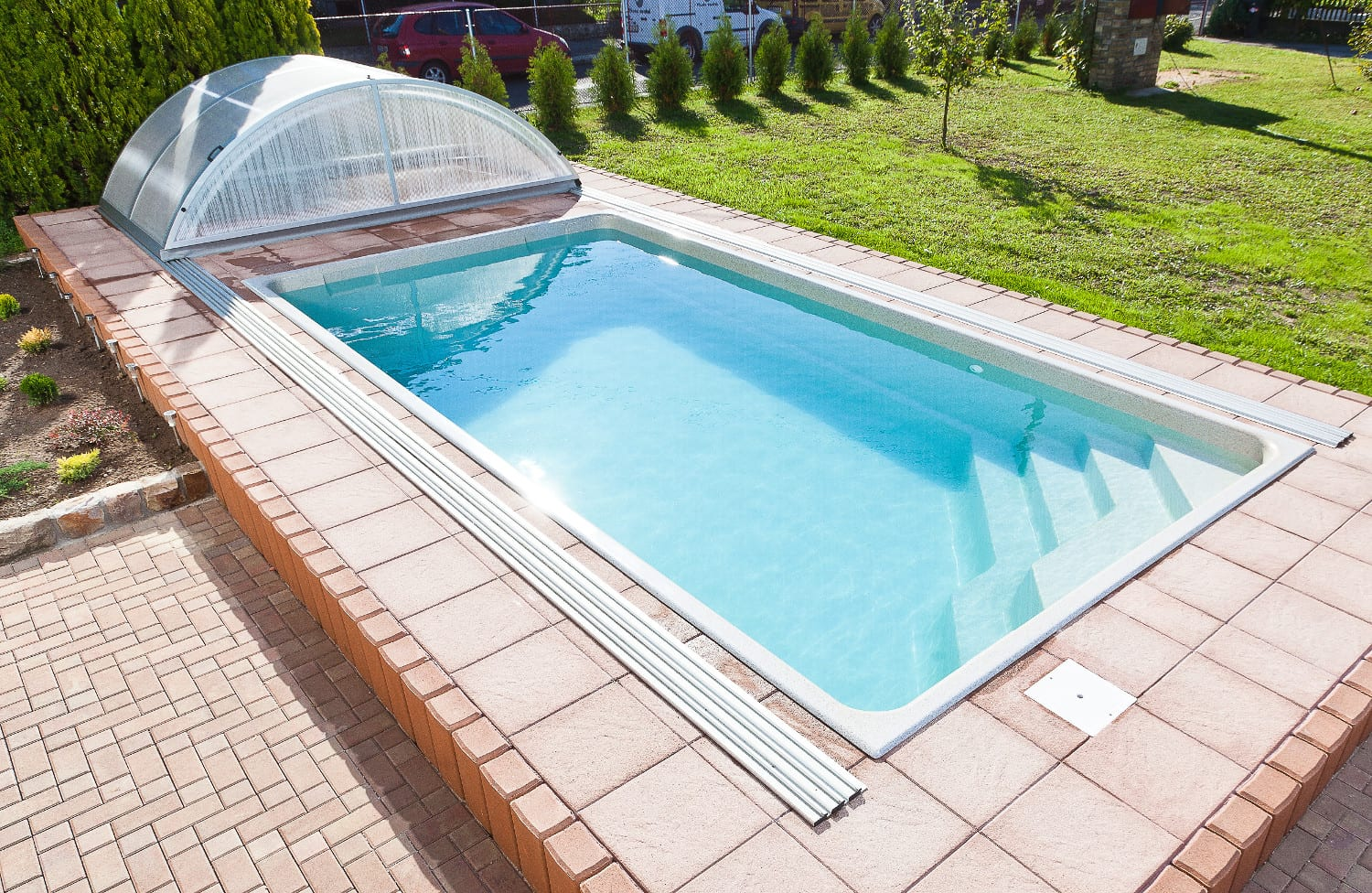 Ametyst compact one-piece swimming pool